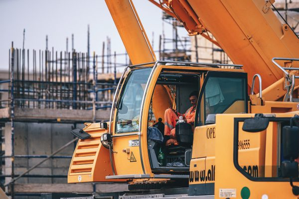 Krane: unerlässlich für Bauarbeiten